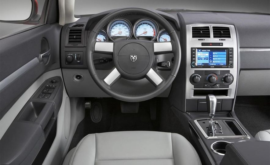 2010 Dodge Journey R/T - Slide 43