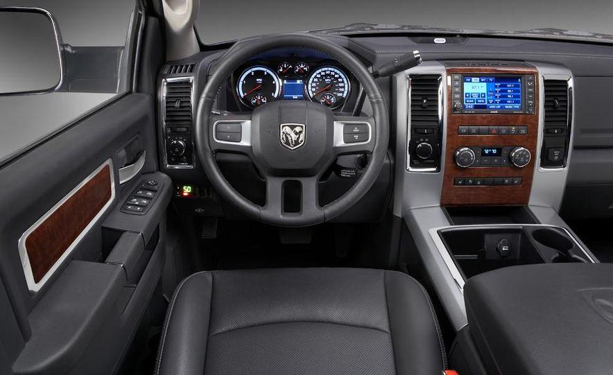 2010 Dodge Journey R/T - Slide 86