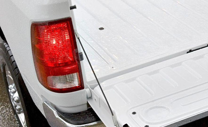 2010 Dodge Journey R/T - Slide 129