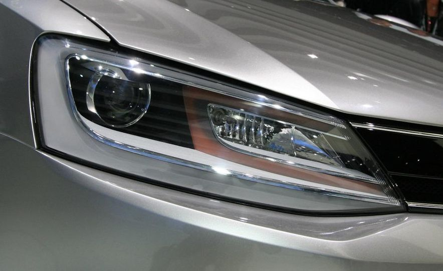 Volkswagen New Compact Coupe Concept - Slide 7