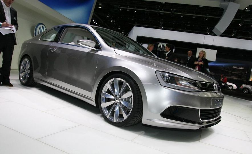 Volkswagen New Compact Coupe Concept - Slide 1