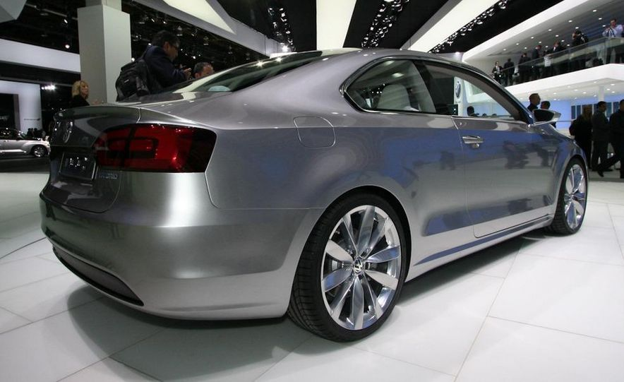 Volkswagen New Compact Coupe Concept - Slide 3