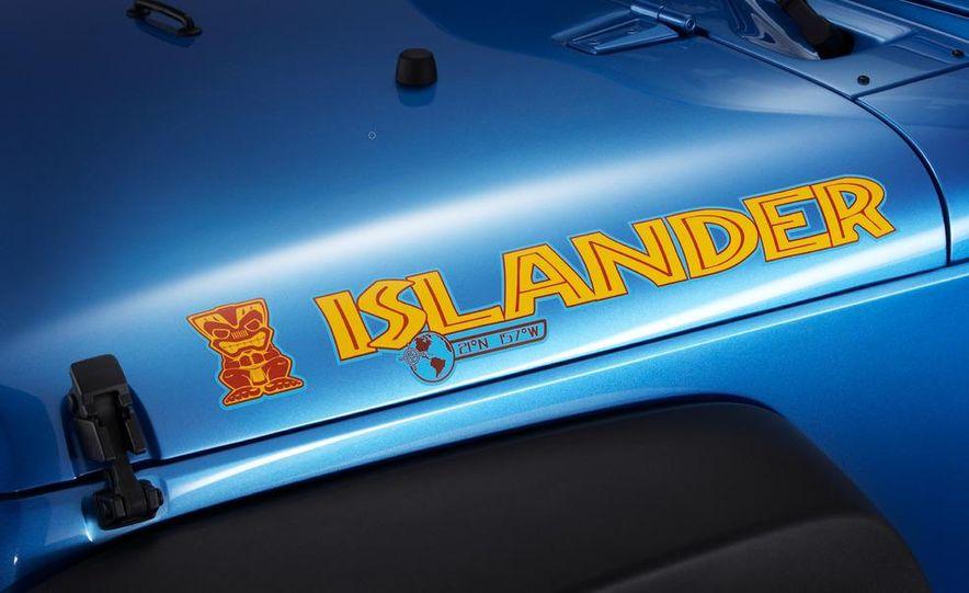 2010 Jeep Wrangler Islander Edition - Slide 2