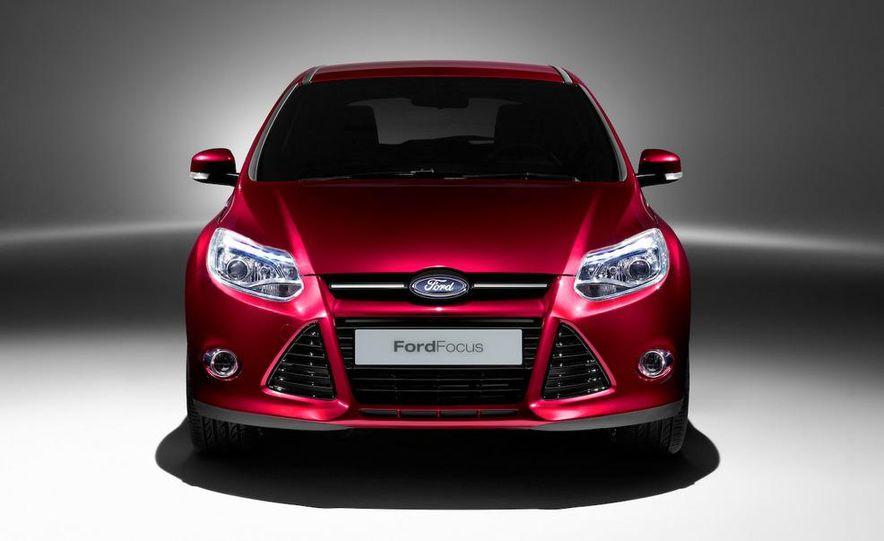 2012 Ford Focus 5-door hatchback - Slide 1