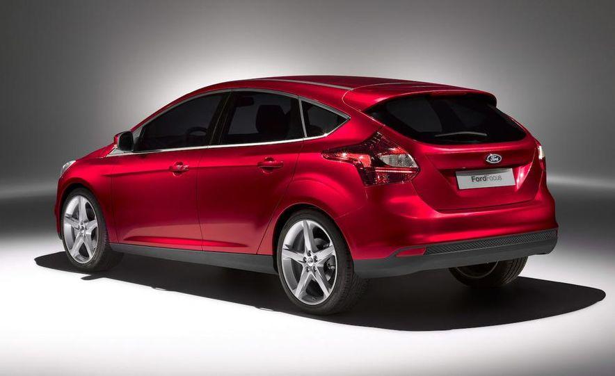 2012 Ford Focus 5-door hatchback - Slide 3