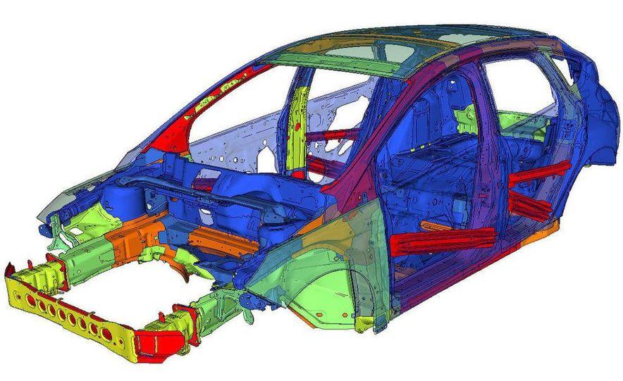 2012 Ford Focus 5-door hatchback - Slide 25