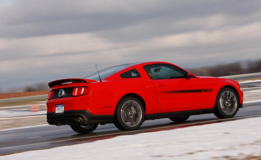 2011 Ford Mustang GT/CS coupe - Slide 8