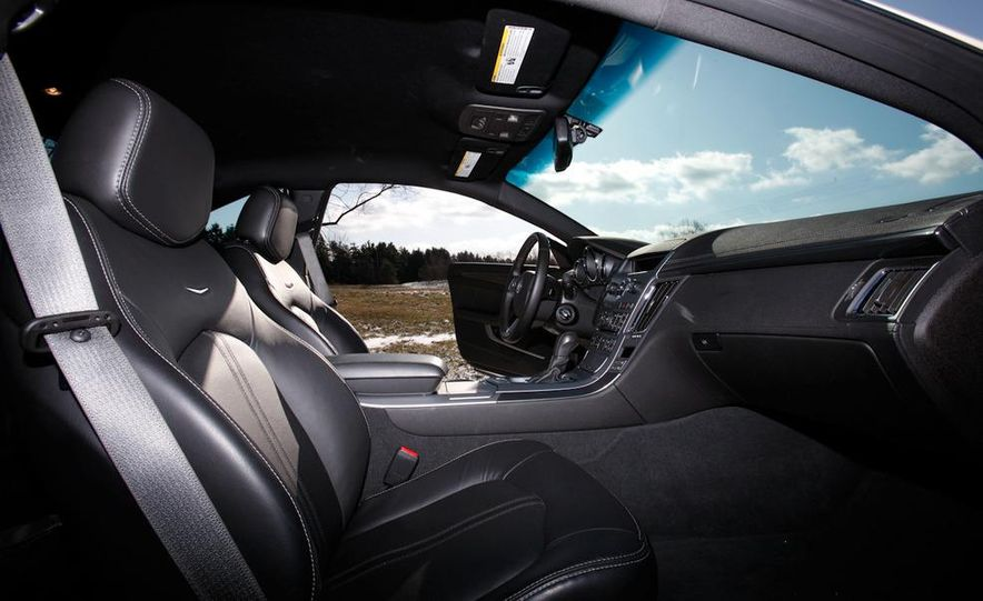 2011 Cadillac CTS-V coupe - Slide 18