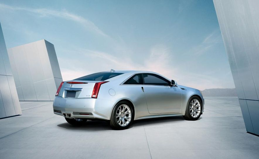 2011 Cadillac CTS-V coupe - Slide 7