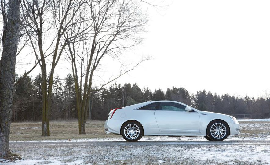 2011 Cadillac CTS-V coupe - Slide 5