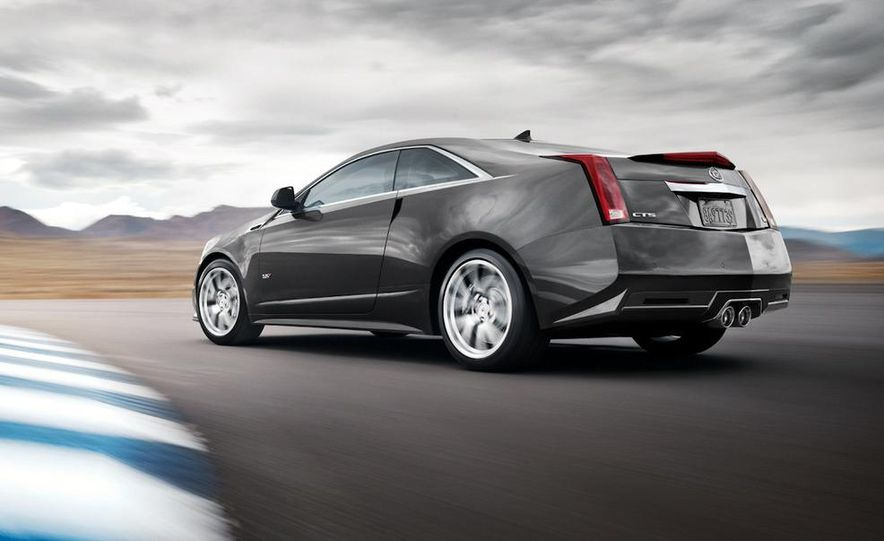 2011 Cadillac CTS-V coupe - Slide 10