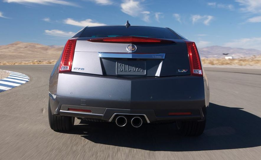 2011 Cadillac CTS-V coupe - Slide 12