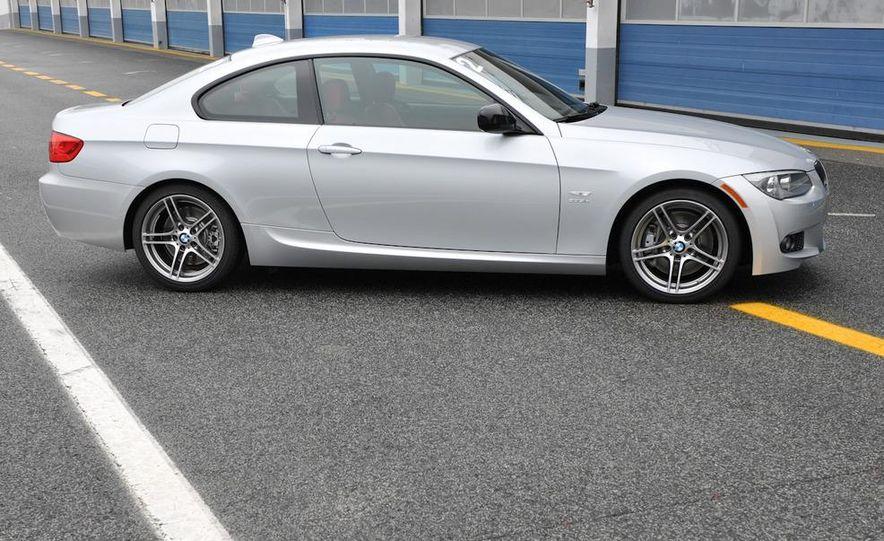 2011 BMW 335is - Slide 32