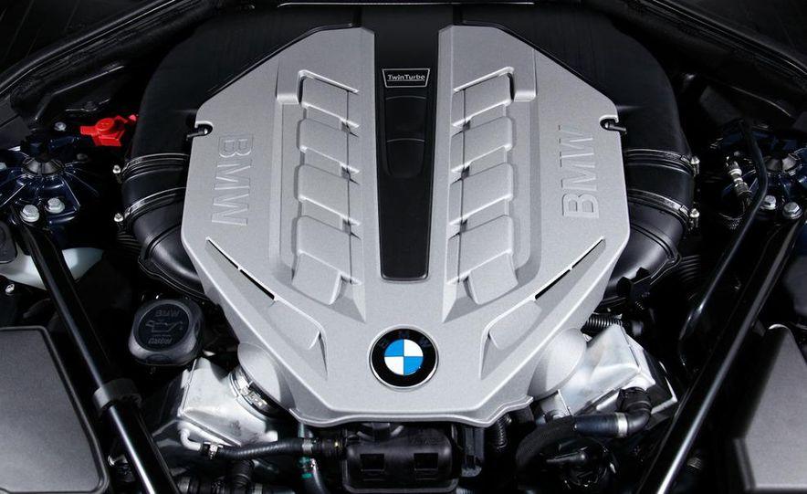 2009 BMW 750i (European spec) - Slide 16