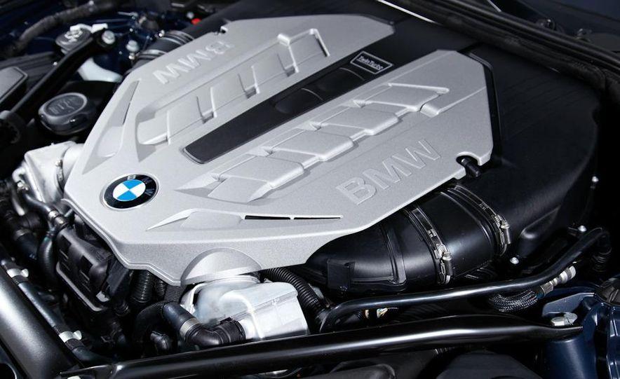 2009 BMW 750i (European spec) - Slide 12