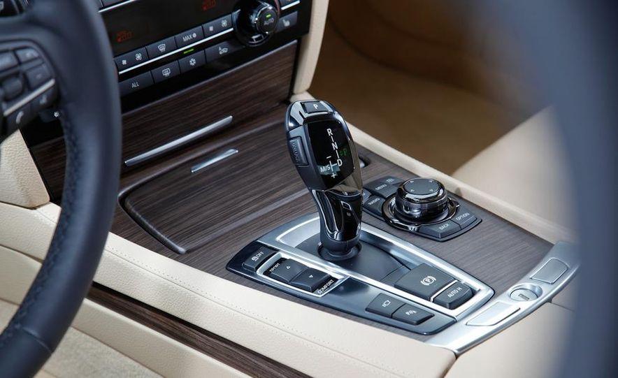 2009 BMW 750i (European spec) - Slide 17
