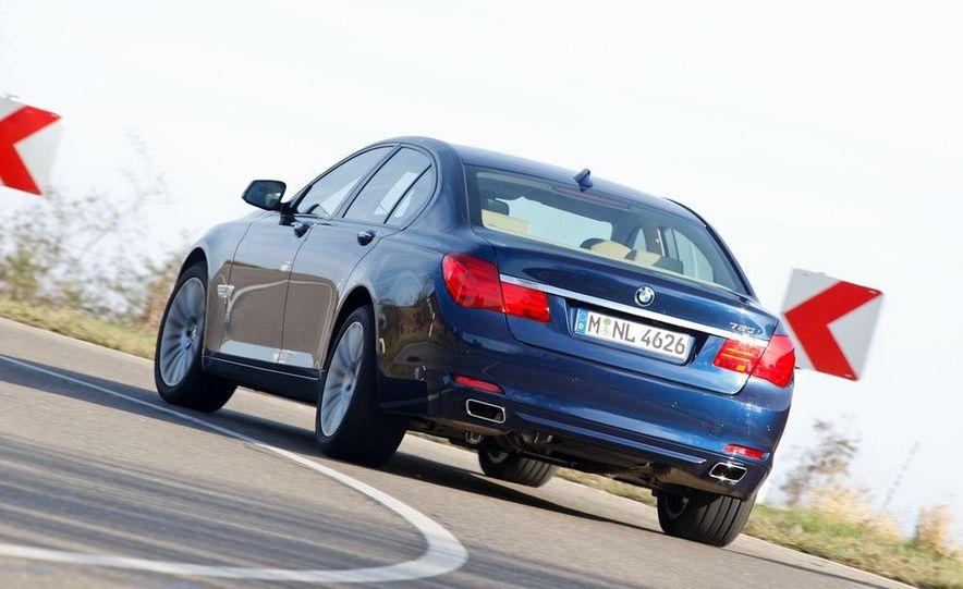 2009 BMW 750i (European spec) - Slide 3