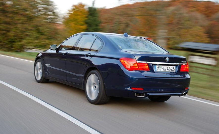 2009 BMW 750i (European spec) - Slide 8