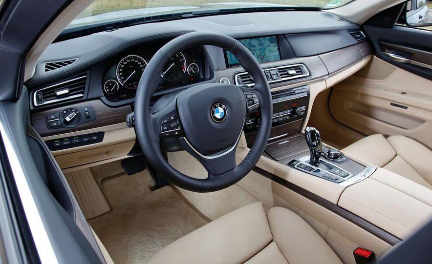 2009 BMW 750i (European spec) - Slide 10