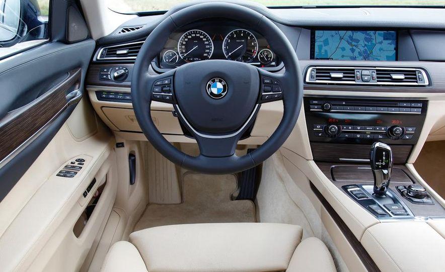 2009 BMW 750i (European spec) - Slide 11