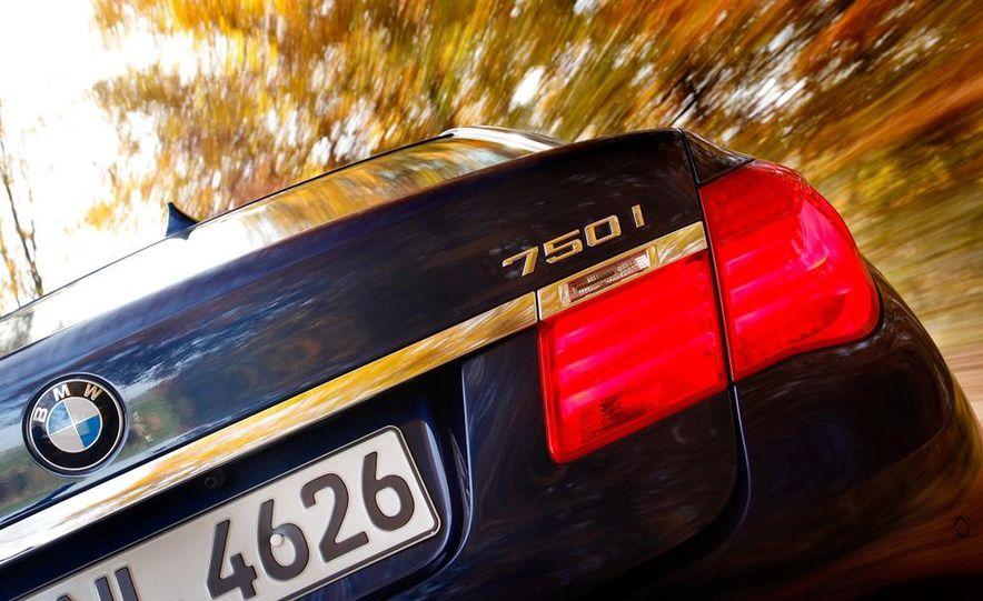 2009 BMW 750i (European spec) - Slide 9