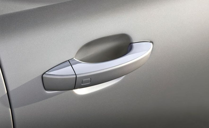 2011 Audi A8 (European spec) - Slide 37