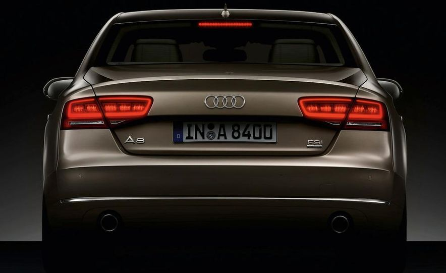 2011 Audi A8 (European spec) - Slide 28