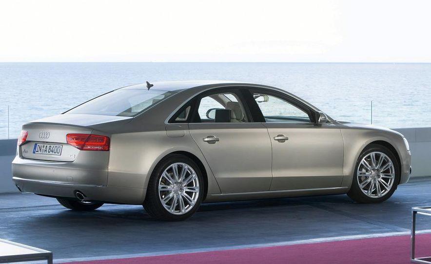 2011 Audi A8 (European spec) - Slide 24