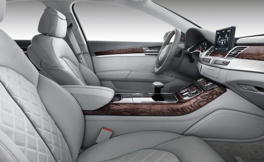 2011 Audi A8 (European spec) - Slide 39