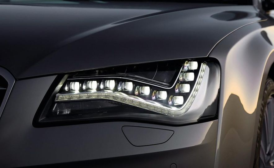2011 Audi A8 (European spec) - Slide 31