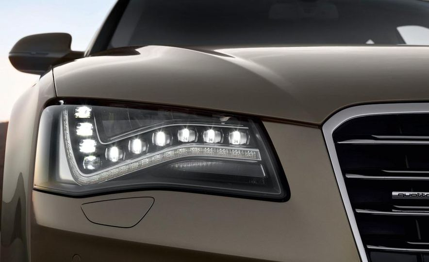 2011 Audi A8 (European spec) - Slide 32