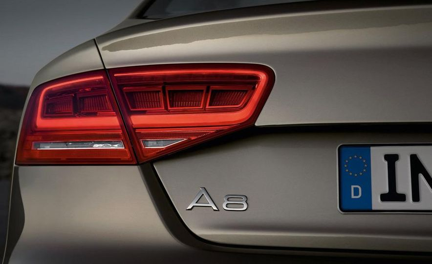 2011 Audi A8 (European spec) - Slide 36