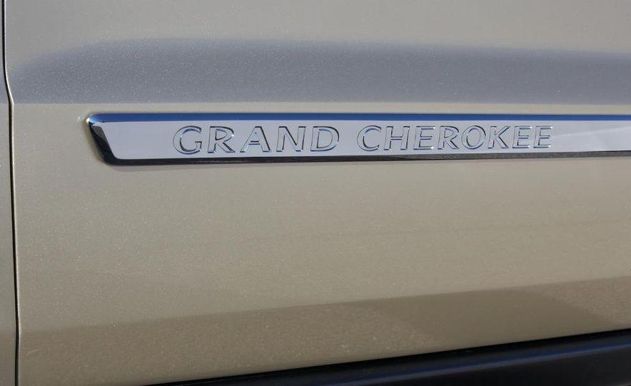 2011 Jeep Grand Cherokee Limited - Slide 14