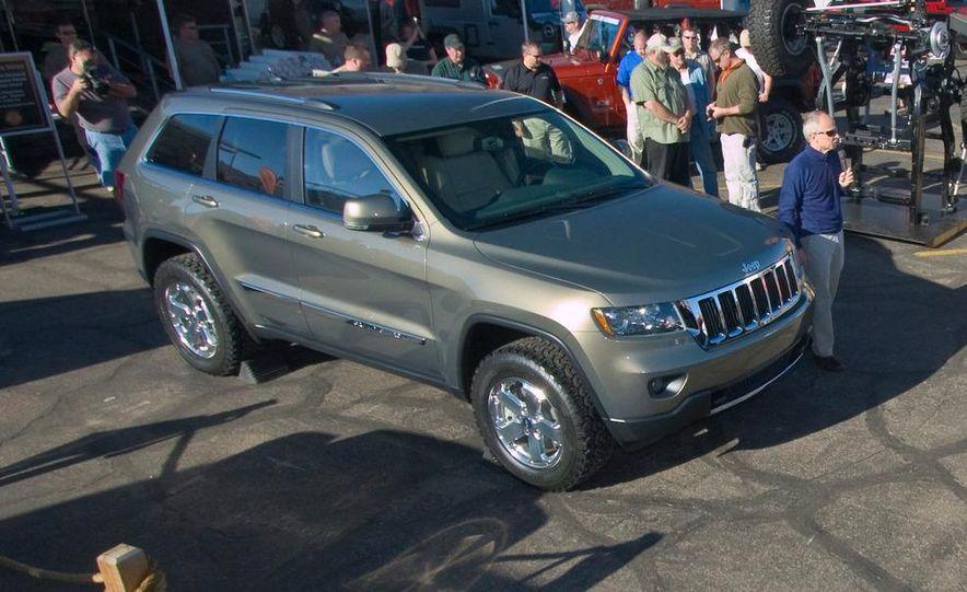 2011 Jeep Grand Cherokee Limited - Slide 1