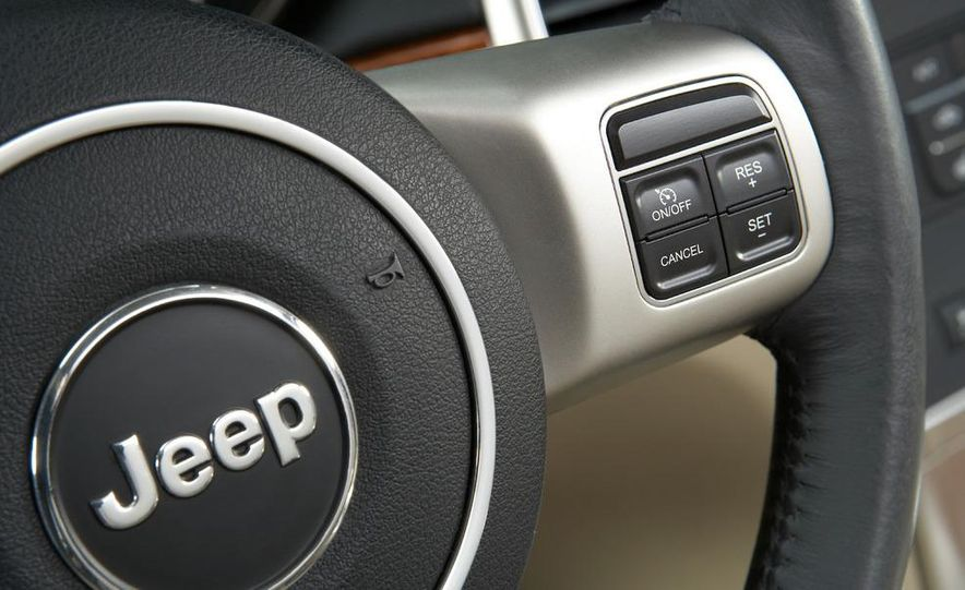 2011 Jeep Grand Cherokee Limited - Slide 17