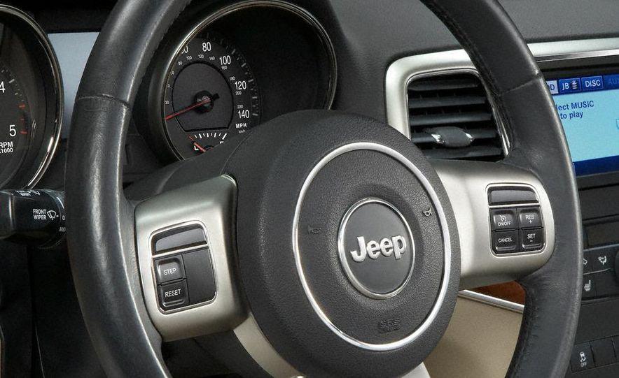 2011 Jeep Grand Cherokee Limited - Slide 22