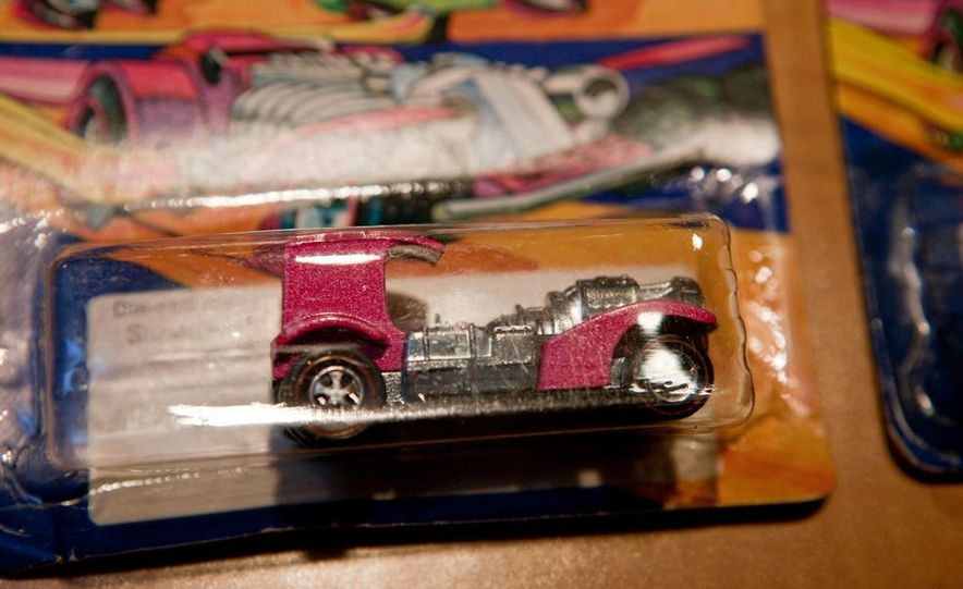 A very rare pink Superfine Turbine in it's original blister pack. - Slide 1