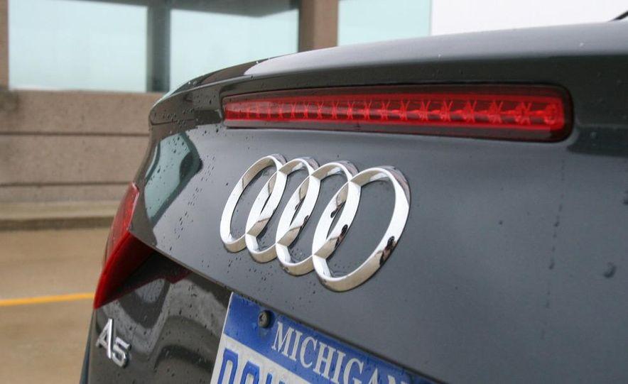 2010 Audi A5 2.0T Quattro Cabriolet - Slide 17