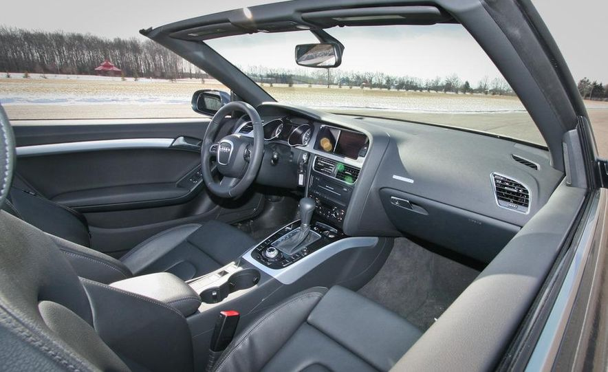 2010 Audi A5 2.0T Quattro Cabriolet - Slide 16