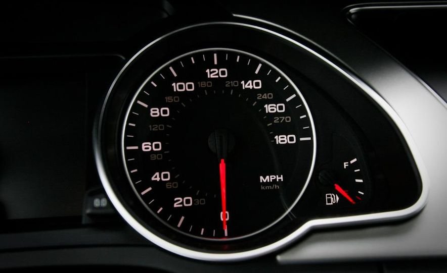 2010 Audi A5 2.0T Quattro Cabriolet - Slide 28