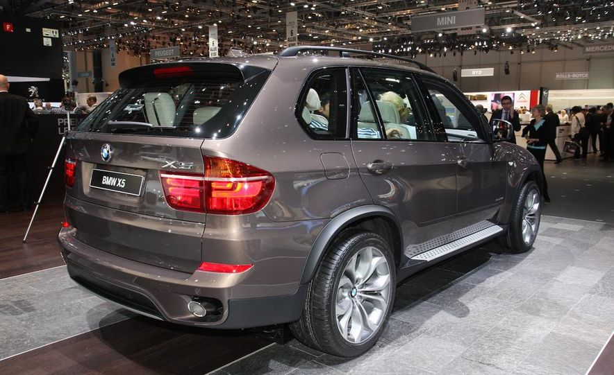 2011 BMW X5 xDrive40d - Slide 1