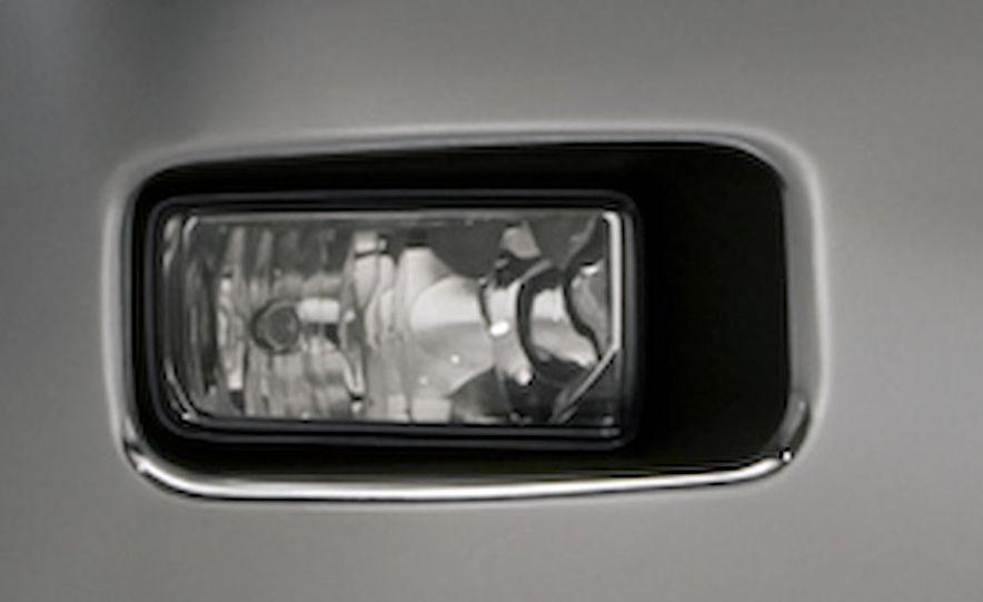 2011 Chevrolet Silverado Heavy Duty - Slide 20