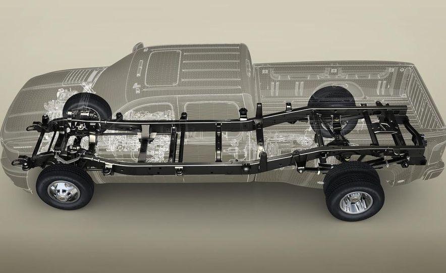 2011 Chevrolet Silverado Heavy Duty - Slide 33