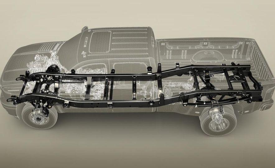 2011 Chevrolet Silverado Heavy Duty - Slide 35