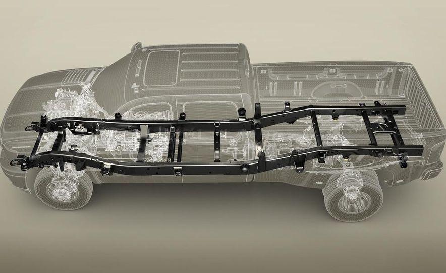 2011 Chevrolet Silverado Heavy Duty - Slide 37