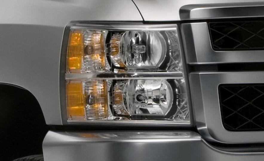 2011 Chevrolet Silverado Heavy Duty - Slide 19