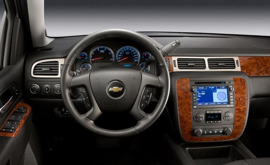 2011 Chevrolet Silverado Heavy Duty - Slide 21