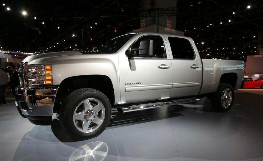 2011 Chevrolet Silverado Heavy Duty - Slide 4