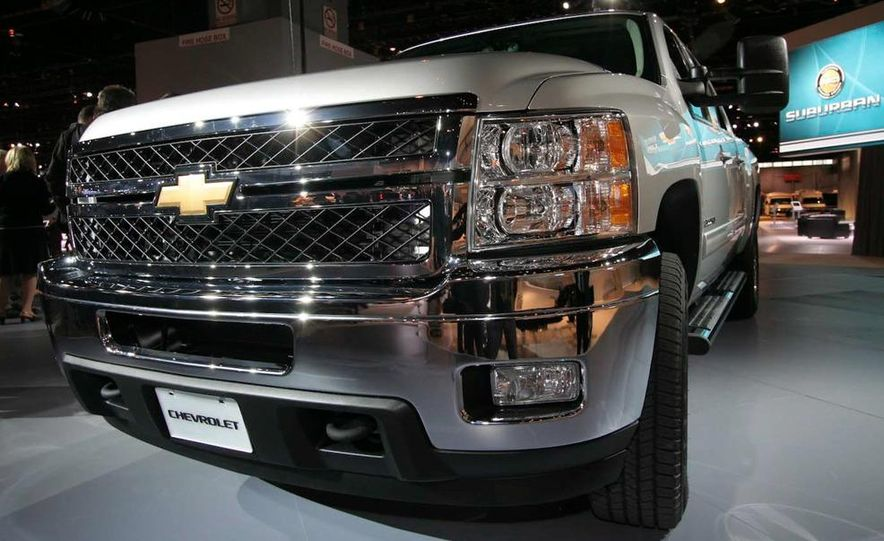 2011 Chevrolet Silverado Heavy Duty - Slide 5