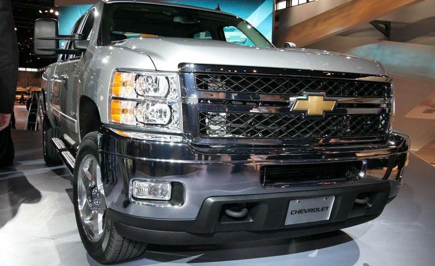 2011 Chevrolet Silverado Heavy Duty - Slide 8